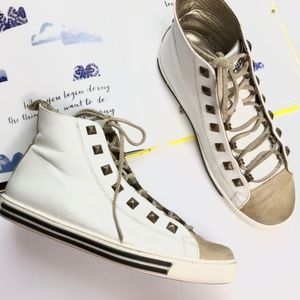 DSquared2 High Top Hi-Top Patent Leather Sneaker